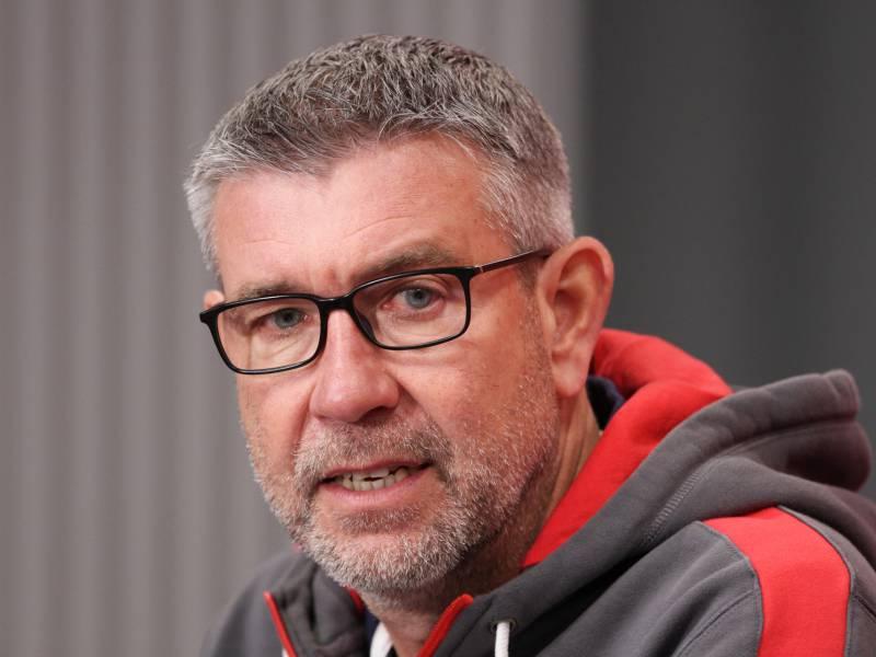 Union Berlins Cheftrainer Fehlt Aus Privaten Gruenden