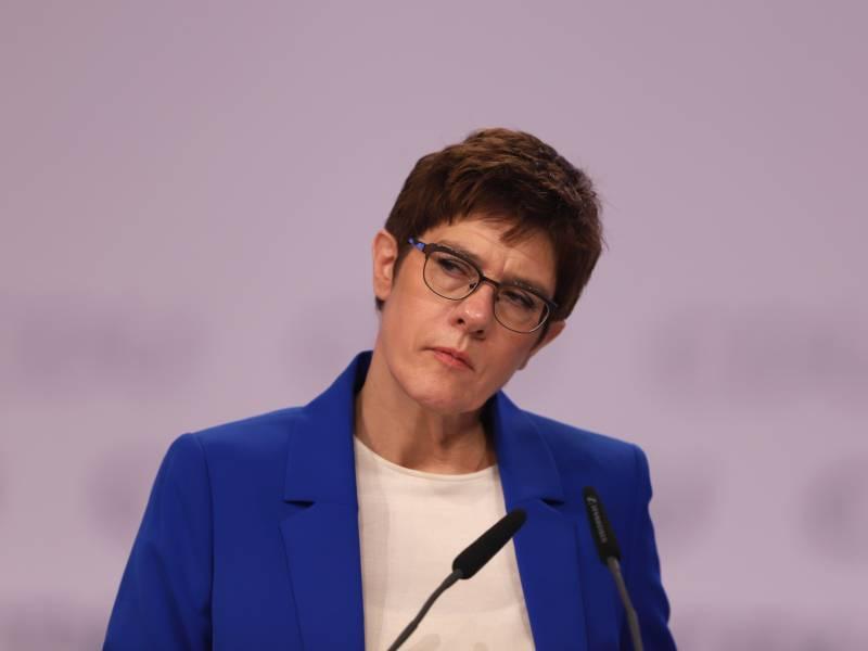Verteidigungsministerin Will Open Skies Abkommen Retten