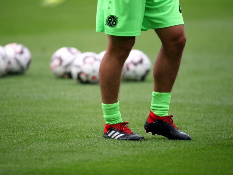 2 Bundesliga Hannover Besiegt Dresden Im Nachholspiel