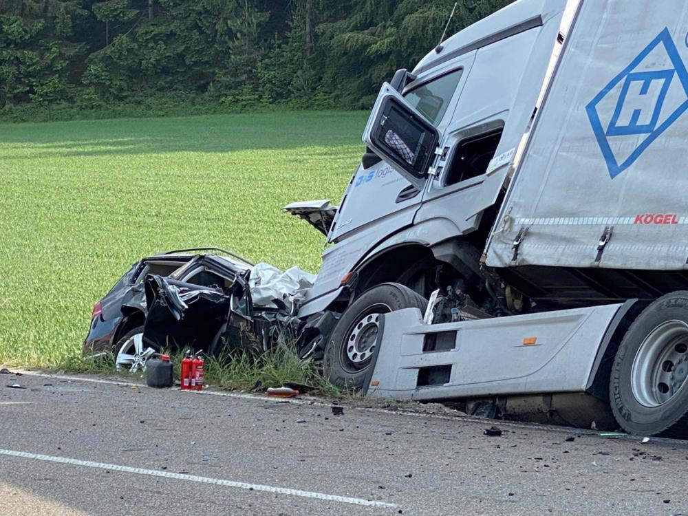 200604 Unfall B17 Denklingen 07