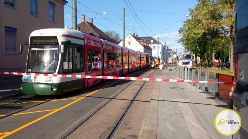 WhatsApp-Image-2020-06-02-at-18.19.52.jpeg Straßenbahn in Augsburg-Kriegshaber entgleist Augsburg Stadt News Newsletter Polizei & Co |Presse Augsburg