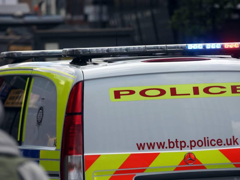 Anti Terror Ermittlungen Nach Messerattacke In Grossbritannien