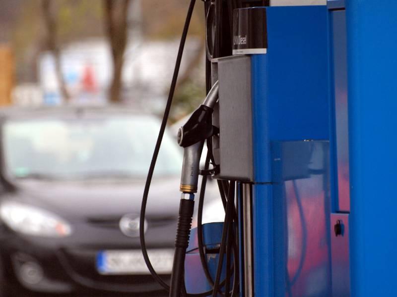 Benzinpreise Erreichen Drei Monats Hoch