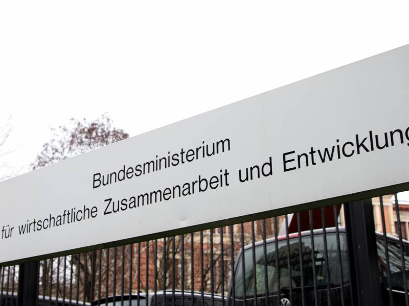 Deutschland Will Mit Beatmungsgeraeten In Entwicklungslaendern Helfen