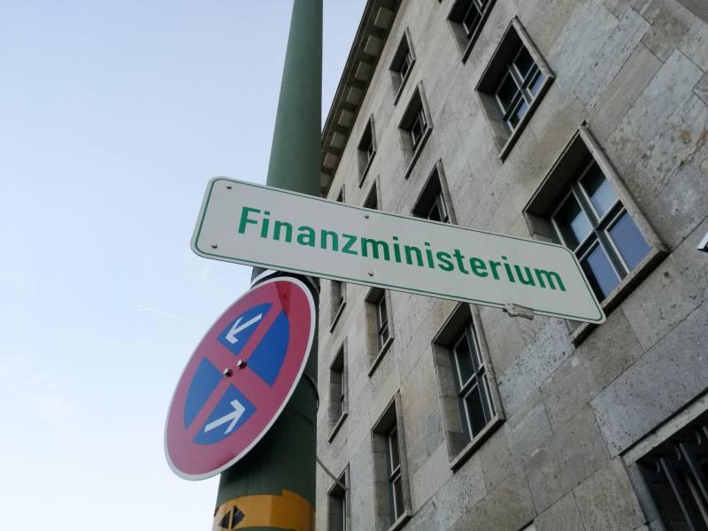Finanz Staatssekretaer Haelt Weitgreifende Finanzhilfen Fuer Richtig
