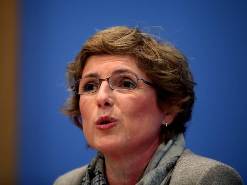 Gruenen Politikerin Hasselmann Kritisiert Schaeuble Aeusserung Zu Amthor