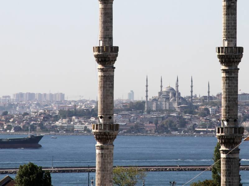 Istanbuls Buergermeister Kritisiert Tuerkische Regierung