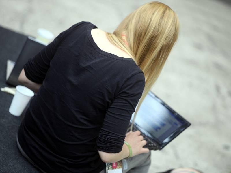 Jeder Zweite Kommuniziert Per Videochat Oder Online Telefonie