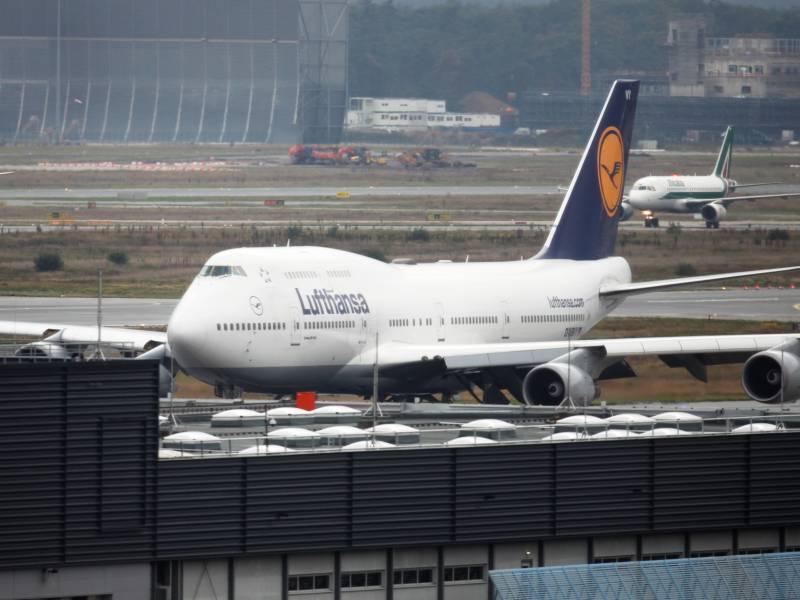 Lufthansa Mitarbeiter Fordern Annahme Des Rettungspakets