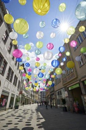 Nm Lampion Kunstinstallation Annastraße Augsburg Marketing 4
