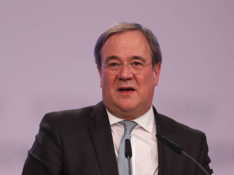 Nrw Ministerpraesident Laesst Haftbarkeit Von Toennies Pruefen