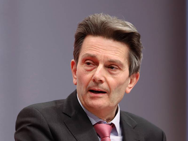 Spd Fraktionschef Weist Kritik Am Konjunkturpaket Zurueck