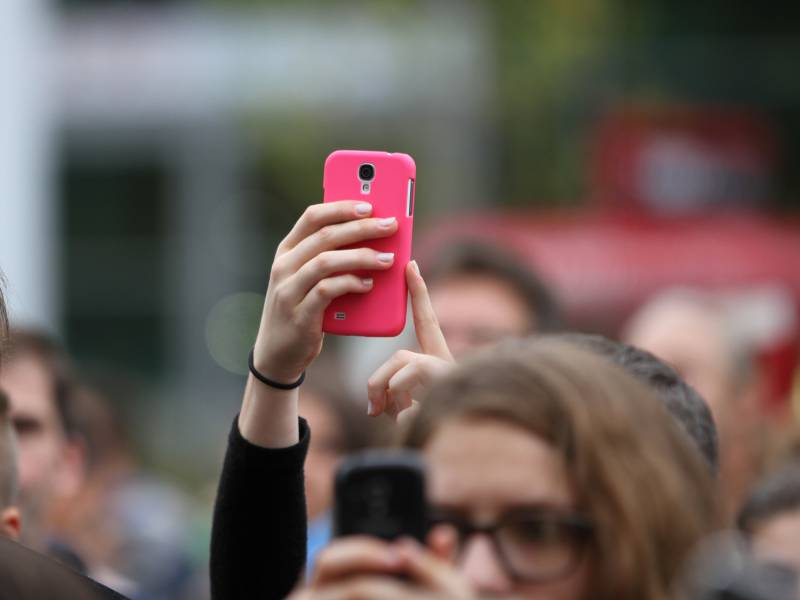 Umfrage Deutsche Stehen Corona Warn App Positiver Gegenueber