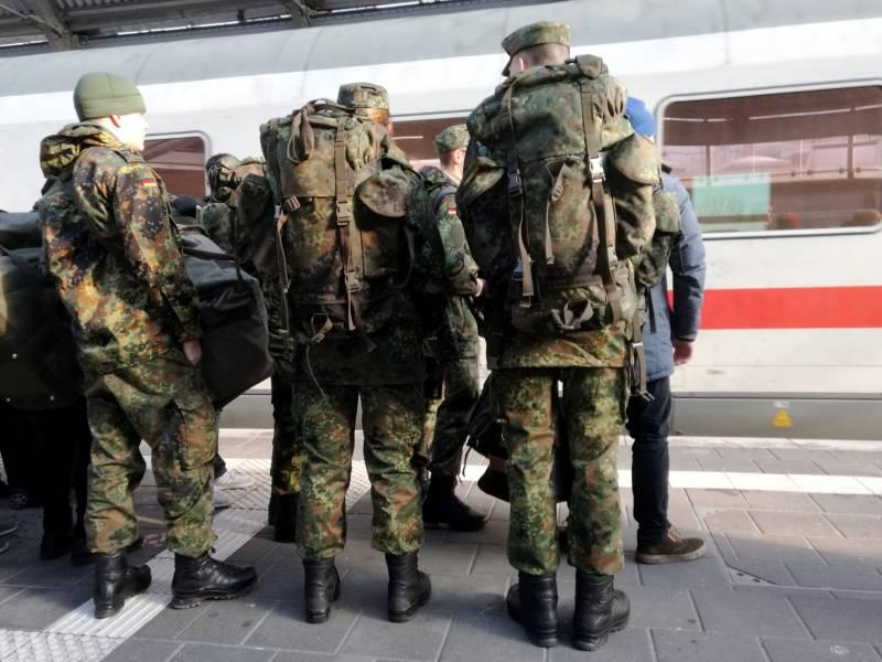 325 000 Gratis Fahrten Von Soldaten Mit Der Bahn Im 1 Halbjahr