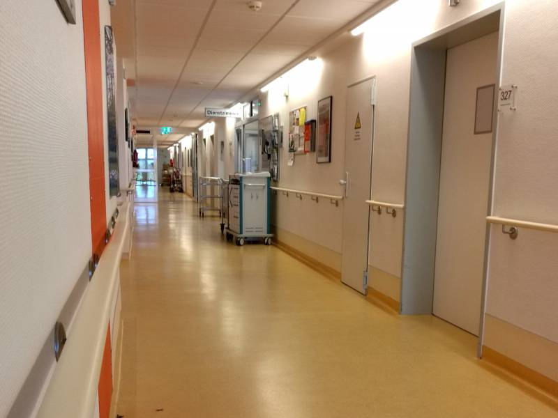 Aerzte Und Kliniken Meldeten Fuer 410 000 Beschaeftigte Kurzarbeit An