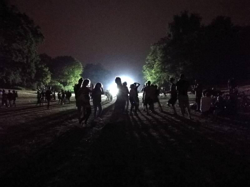 Corona Cdu Spd Und Fdp Kritisieren Massenparty In Berlin