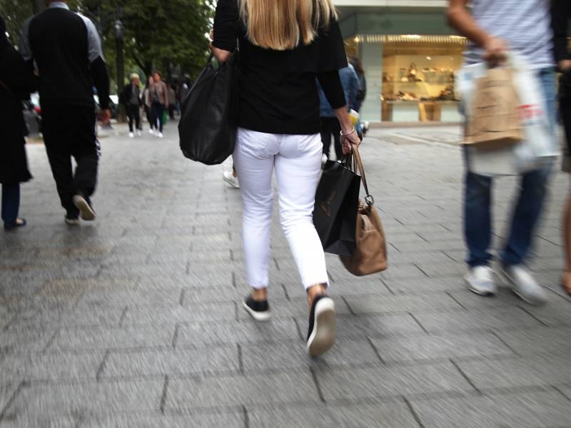 Handelsverband Sieht Gehemmte Shoppinglust Durch Maskenpflicht