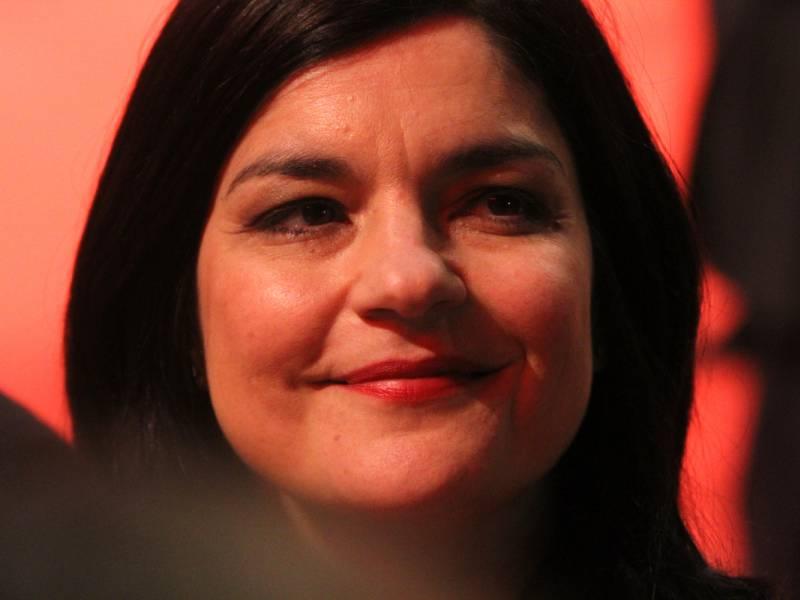 Jasmin Tabatabai Lobt Auftreten Der Regierung In Corona Zeiten