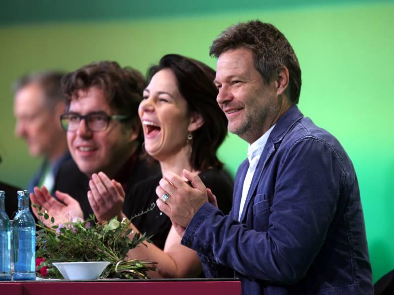 kantar-emnid-gruene-legen-weiter-zu Kantar/Emnid: Grüne legen weiter zu Politik & Wirtschaft Überregionale Schlagzeilen |Presse Augsburg