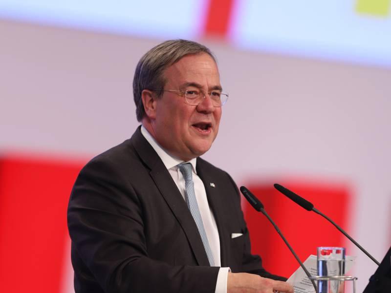 Karliczek Unterstuetzt Laschet Bei Kampf Um Cdu Vorsitz