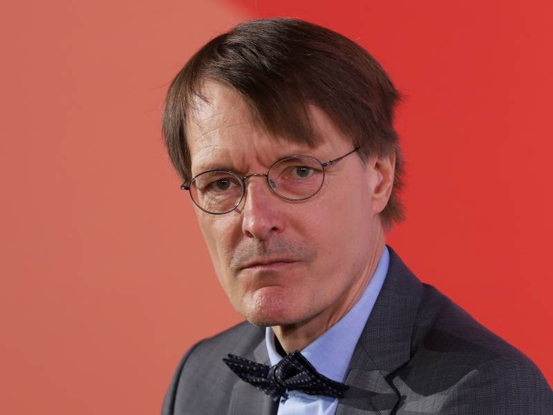 Lauterbach Irritiert Ueber Braun Aeusserung Zu Grossveranstaltungen