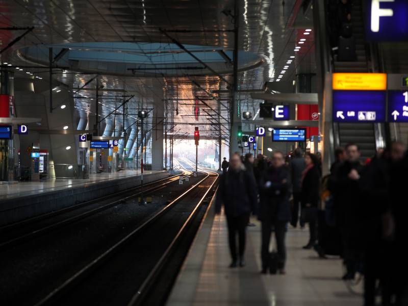 Mehr Als 1 000 Bahnhoefe In Deutschland Nicht Barrierefrei