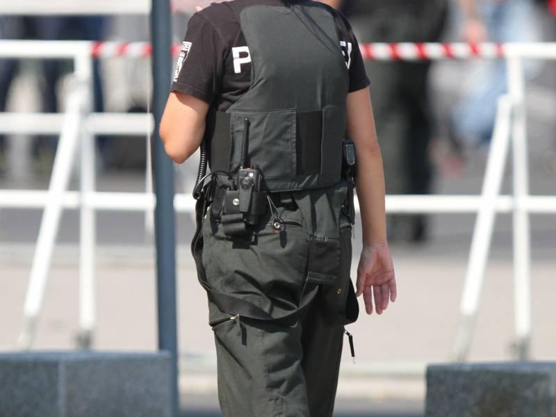 Niedersachsen Plant Verfassungstreue Check Fuer Polizisten