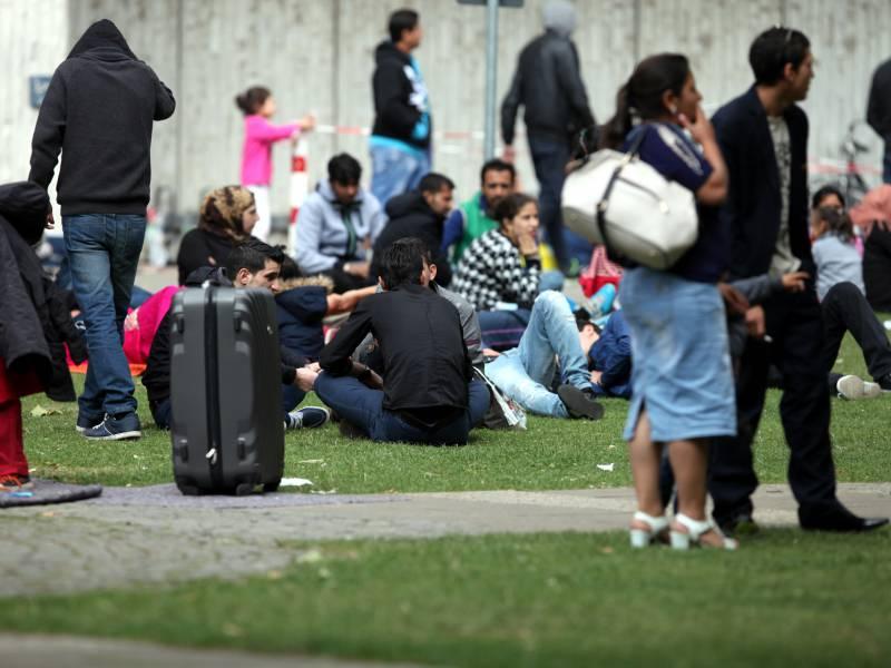 Seehofer Warnt Vor Steigenden Fluechtlingszahlen