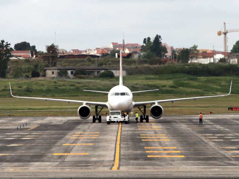 Verbraucherschuetzer Fordern Neuausrichtung Des Luftfahrt Bundesamts