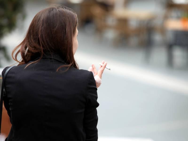 Viele Frauen Beenden Rauchen Im Geburtsjahr Des Ersten Kindes
