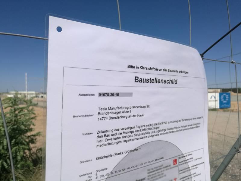 Brandenburgs Umweltminister Lobt Teslas Projektmanagement
