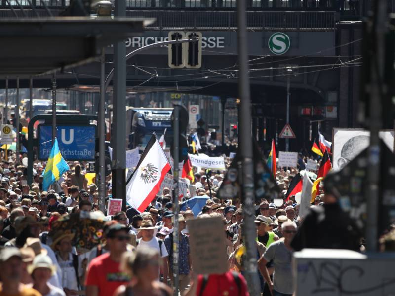 Corona Demo Loest Debatte Ueber Umgang Mit Versammlungsfreiheit Aus