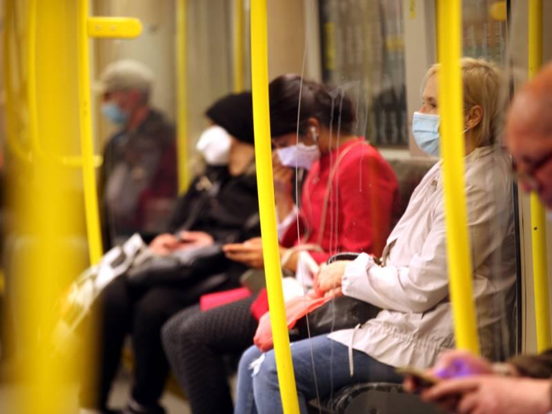Deutsche Haben Sich An Maskentragen Gewoehnt