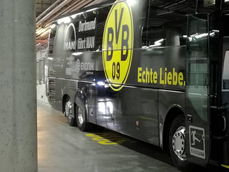 Dortmund Und Gladbach Eroeffnen Bundesliga Saison