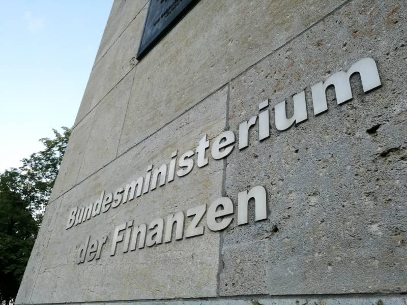 Finanzminister Plant Neue Schulden