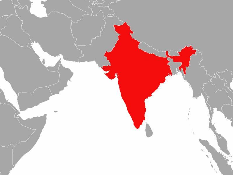 Flugzeug Nach Bruchlandung In Indien Auseinandergebrochen