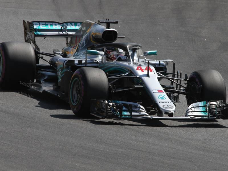 Formel 1 Hamilton Holt Pole In Spanien