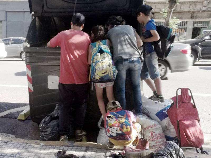 Merkel Humanitaere Hilfe Loest Probleme Nicht Langfristig
