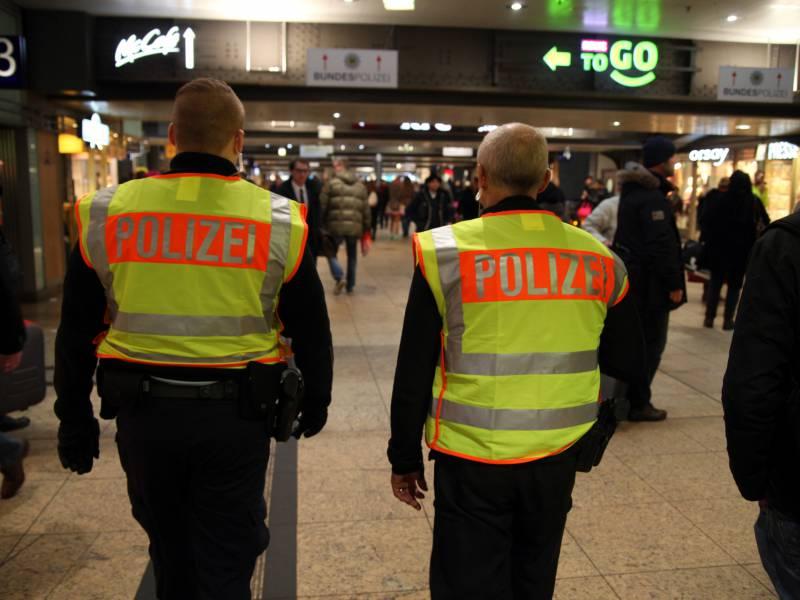 Millionen Ueberstunden Bei Bundespolizei Viele Stellen Unbesetzt