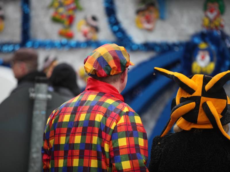 Nrw Gesundheitsminister Sieht Karnevalsverbot Skeptisch
