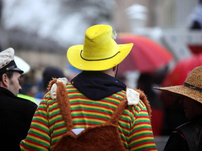 Nrw Ministerpraesident Sieht Karneval 2021 Kritisch