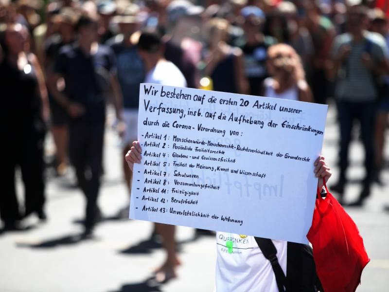 Polizei Gewerkschaftsvize Begruesst Urteil Zu Corona Demo