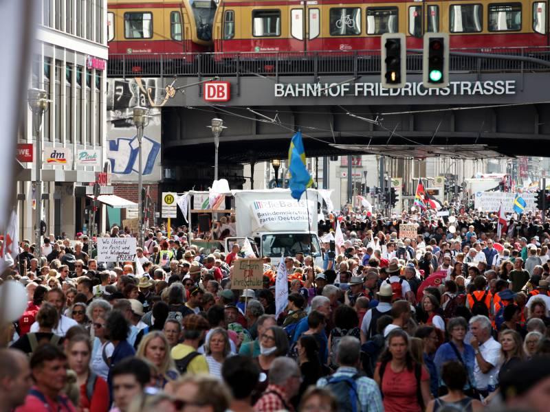 Spd Chef Demonstrationsrecht Darf Nicht Missbraucht Werden