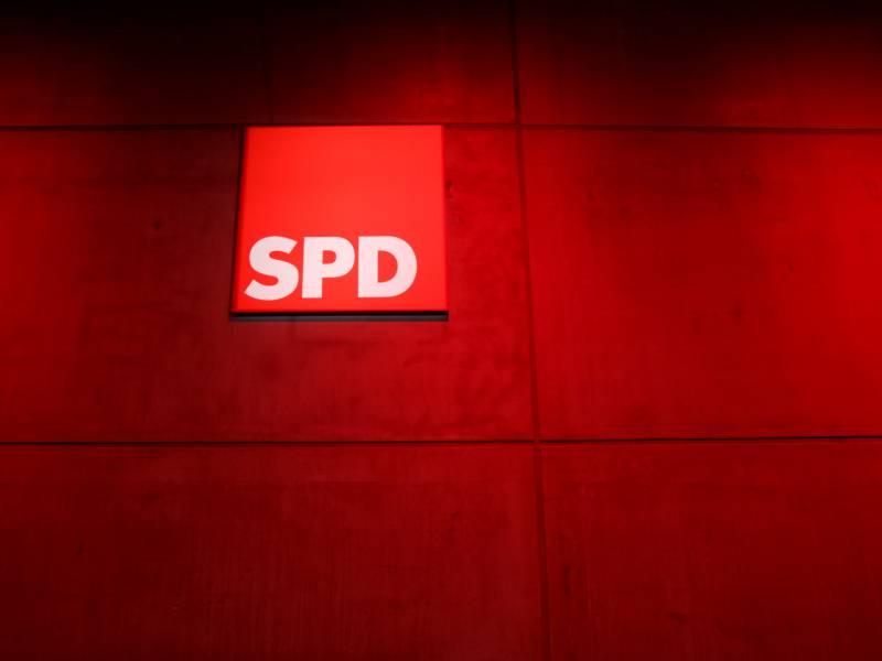Spd Politiker Castellucci Wirbt Fuer Rot Rot Gruen