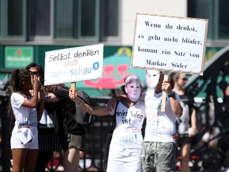 Streit Um Corona Demo Geht Weiter Wendt Will Entschuldigung