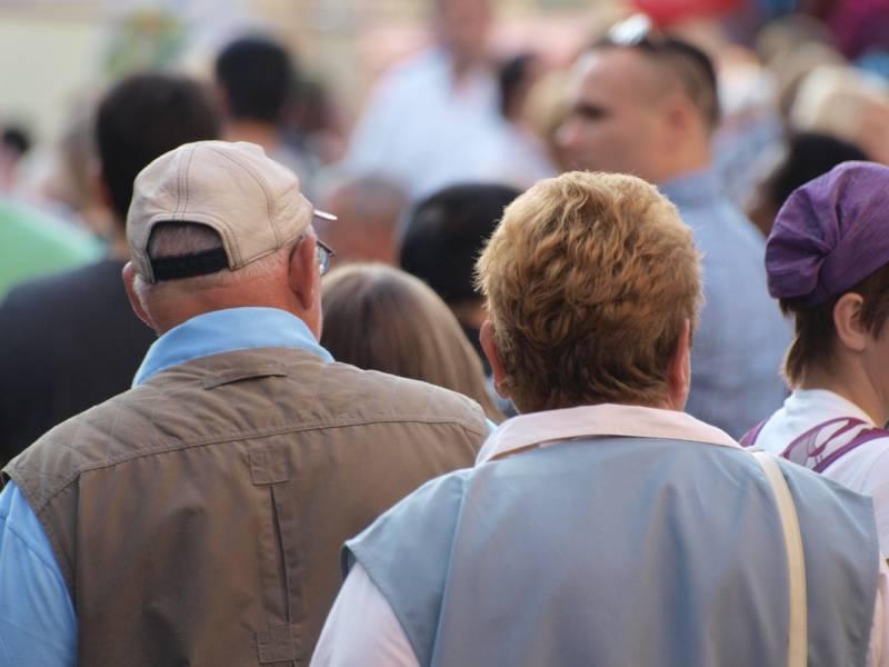 Umfrage Senioren Kommen Fast Ohne Einbussen Durch Die Krise