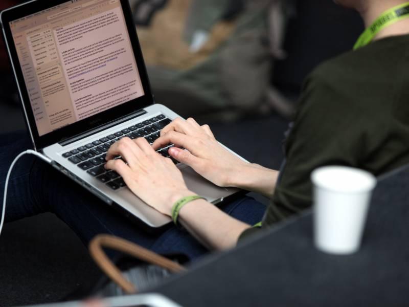 Unionsfraktionschef Will Laptops Fuer Alle Lehrer