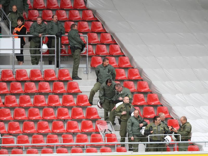 Virologe Schmidt Chanasit Haelt Fans In Fussballstadien Fuer Moeglich