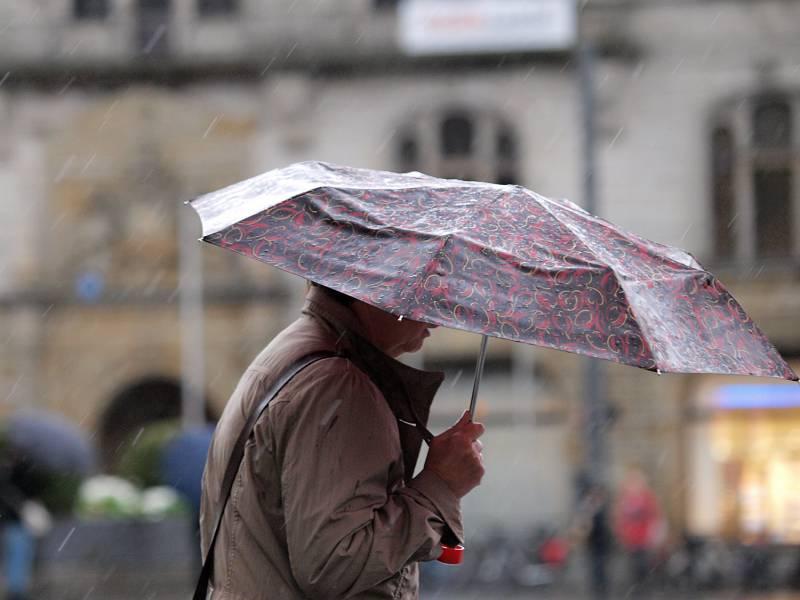 Wetterdienst Warnt Vor Ergiebigem Dauerregen Im Sueden
