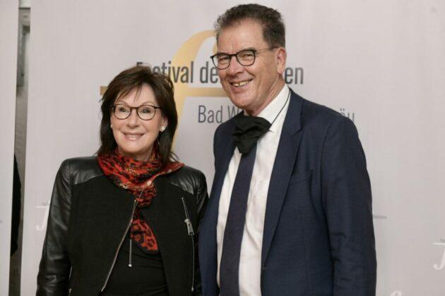 Bundesentwicklungsminister Gerd Mueller Und Ehefrau Gertie Credit Bernd Feil.jpg